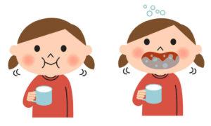 полощут рот дети